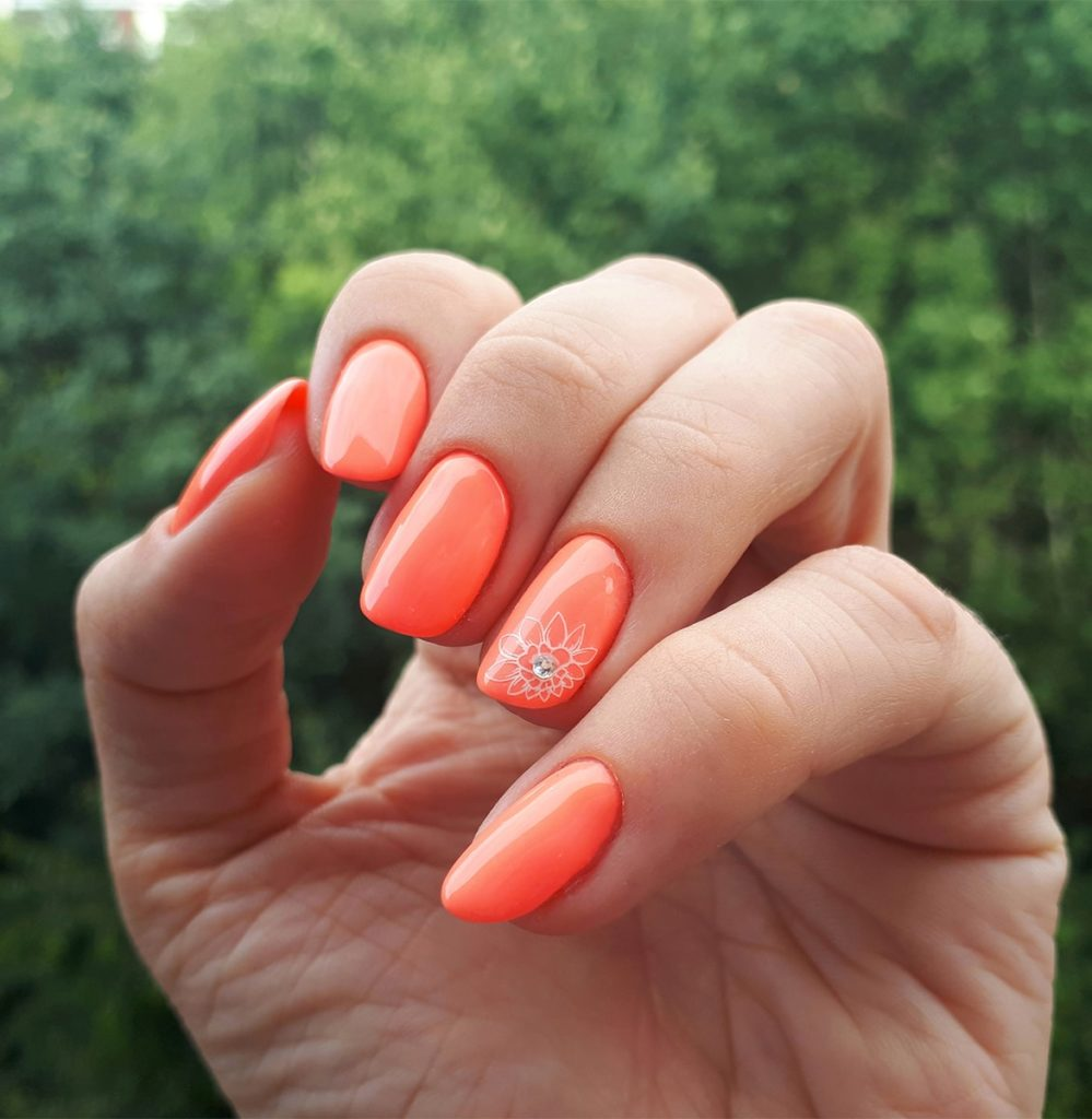 Neon od Victoria Vynn – Creamy Papaya – i cudowne naklejki-kwiatki