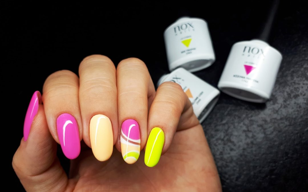 Cukierkowy manicure z letnimi kolorkami od NOX Nails