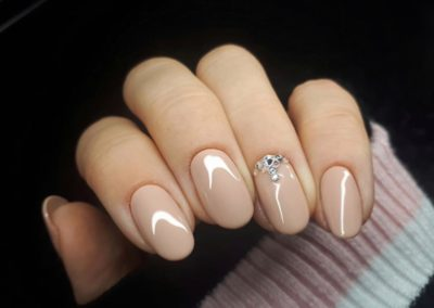 tricky_nails_nude_hybryda