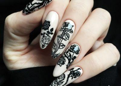 tricky-nails-gotyk-stemple-czarne-min