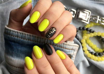tricky-nails-zolte-czarne-paznokcie-wiosna-krotkie-2019-inspiracja-pomysl