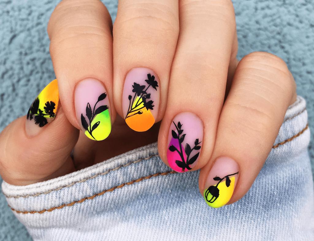 Neony z Aliexpress – paznokcie nude w macie i stemple