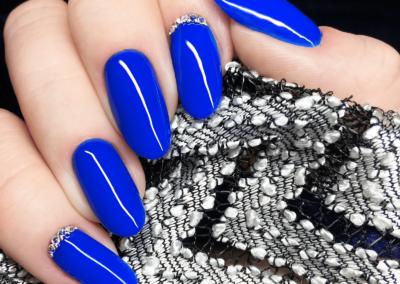 tricky-nails-venalisa-939-kobalt-blue-niebieskie-winter-zima-swiateczne-inspiracje-2019-aliexpress-lakiery-hybrydowe-najlepsze